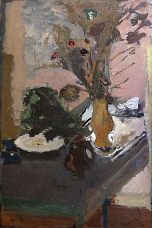 Vase étrusque, pot noir et assiette blanche